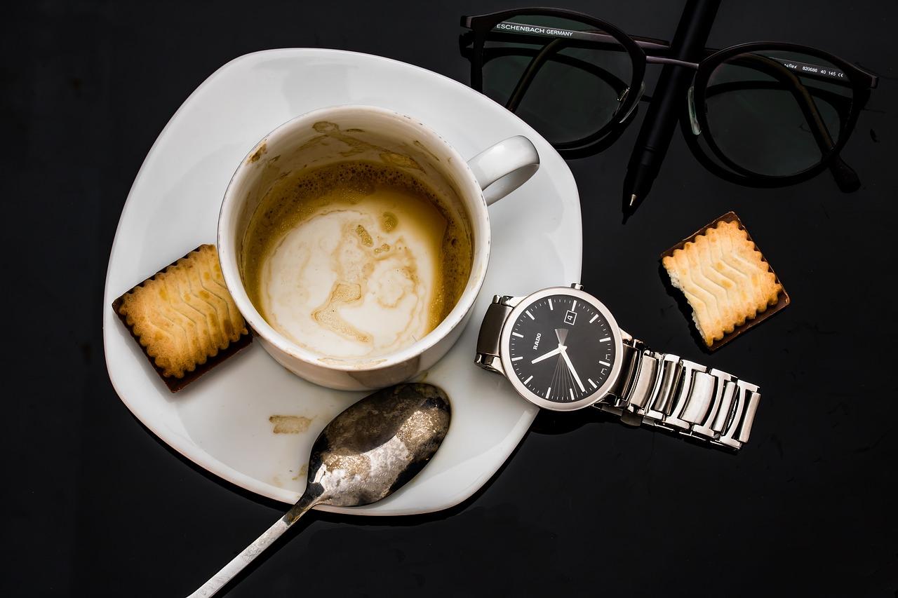 Routine mit einer Tasse Kaffee