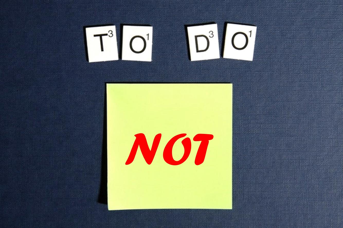 Ein gelber PostIt mit einer Not-To-Do-Liste
